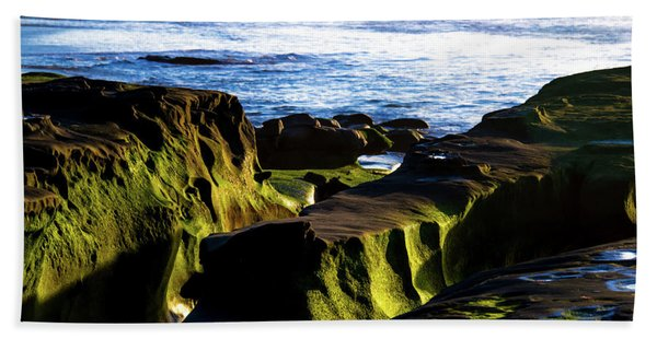 Moss Glow Bath Towel