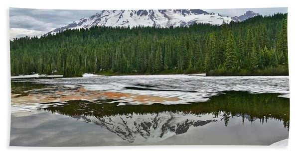 Mount Rainier From Reflection Lakes Bath Towel