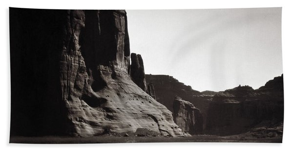 Navajos Canyon De Chelly, 1904 Bath Towel