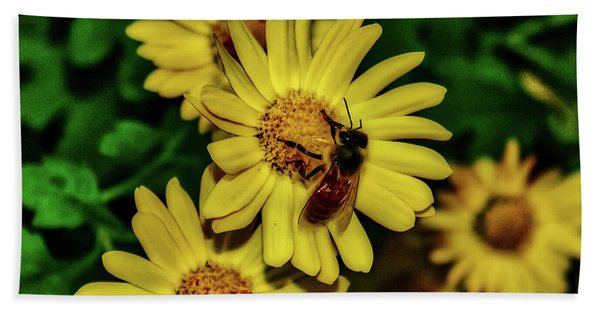 Nectar Gathering Hand Towel