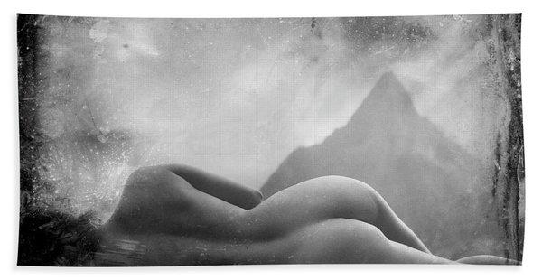 Nude At Chinaman's Hat, Pali, Hawaii Bath Towel