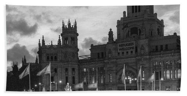 Plaza De Cibeles Fountain Madrid Spain Bath Towel