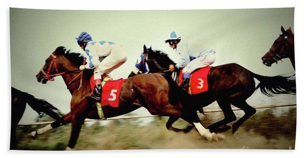Racing Horses Neck To Neck In Competition Bath Towel