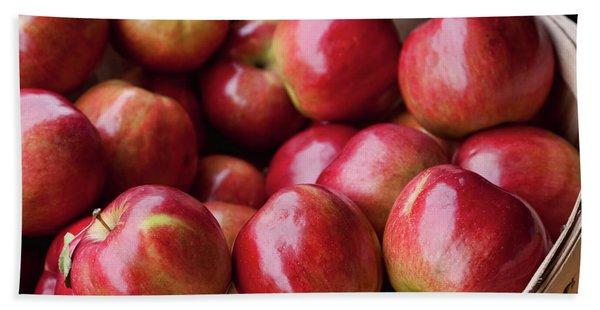 Red Apples Bath Towel