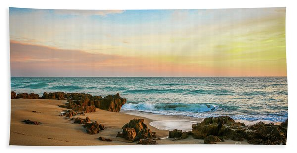 Bath Towel featuring the photograph Rocky Beach by Tom Claud