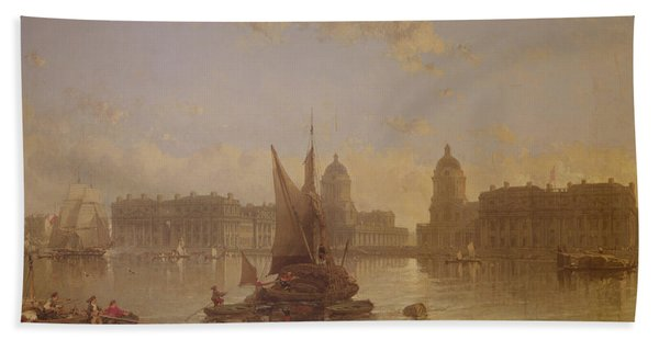 Shipping On The Thames At Greenwich Bath Towel