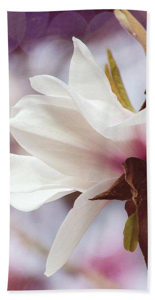 Single White Magnolia Bath Towel