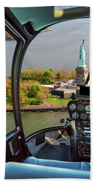 Statue Of Liberty Helicopter Bath Towel
