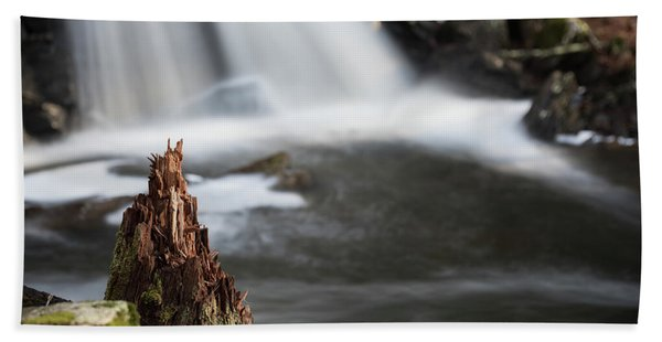 Stumped At The Secret Waterfall Bath Towel