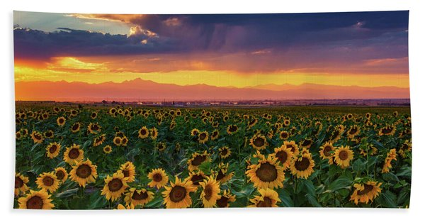 Hand Towel featuring the photograph Summer Radiance by John De Bord