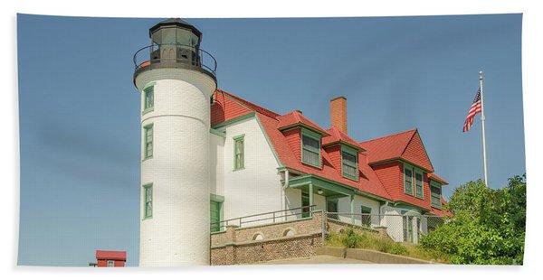 Sunlight On Point Betsie Lighthouse Bath Towel