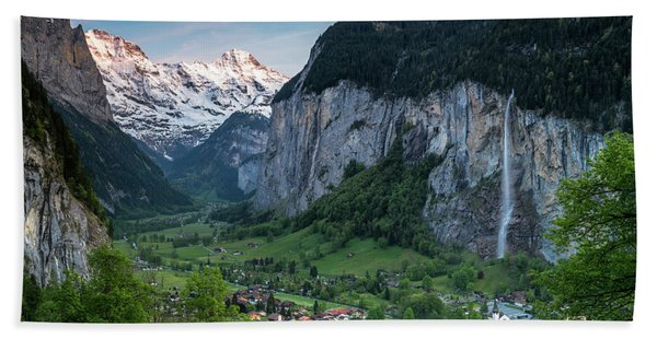 Hand Towel featuring the photograph Sunset Above The Lauterbrunnen Valley by James Udall
