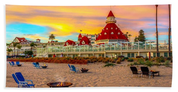 Hand Towel featuring the photograph Sunset At Hotel Del Coronado by James Udall