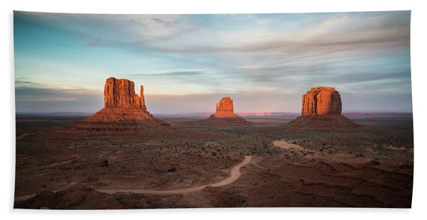 Hand Towel featuring the photograph Sunset At Monument Valley by James Udall