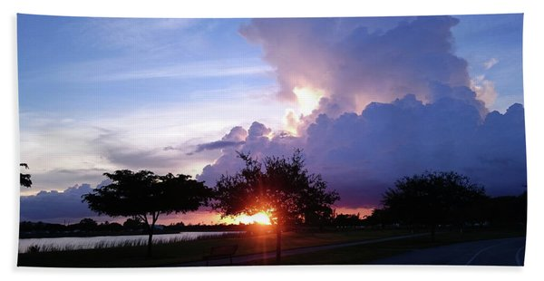 Sunset At The Park In Miami Florida Bath Towel