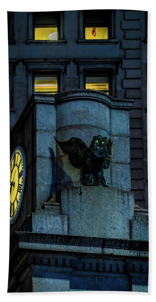 The Herald Square Owl Hand Towel