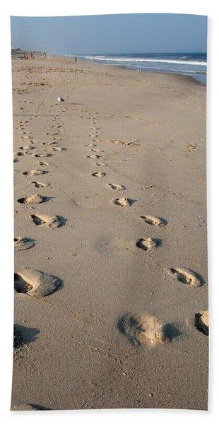 The Trails Of Footprints - Jersey Shore Bath Towel