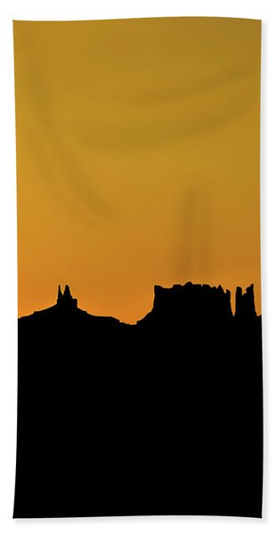 Three Sisters Backlight Bath Towel