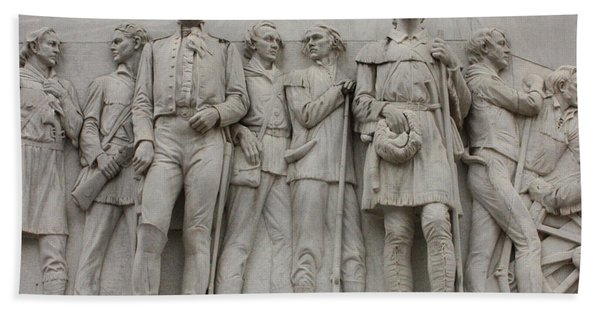 Travis And Crockett On Alamo Monument Bath Towel