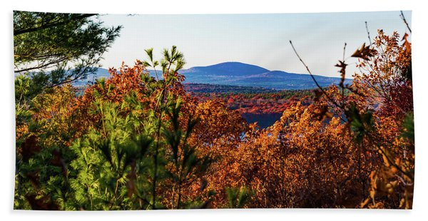 Wachusett In Fall Bath Towel