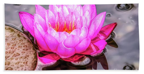 Water Lily In The Rain Bath Towel
