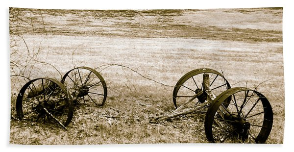 Wheels Of The Past Bath Towel