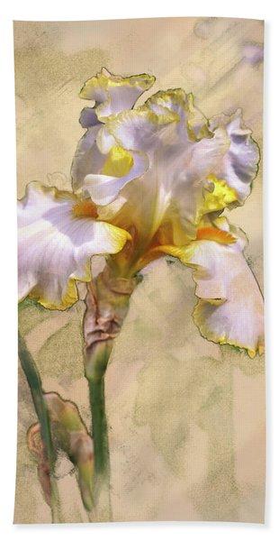 White And Yellow Iris Bath Towel
