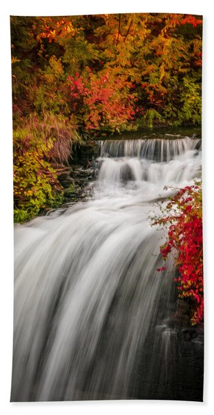 Bath Towel featuring the photograph Fall At Minnehaha Falls by Patti Deters