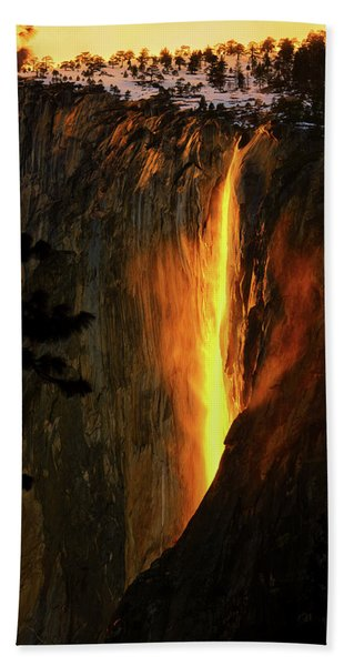 Bath Towel featuring the photograph Yosemite Firefall by Greg Norrell