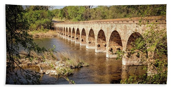 17 Arch Limestone Bridge Bath Towel