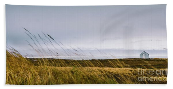 Beautiful Panoramic Photos Of Icelandic Landscapes That Transmit Beauty And Tranquility. Hand Towel