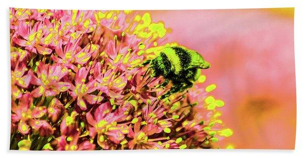 Allium With Bee 1 Bath Towel