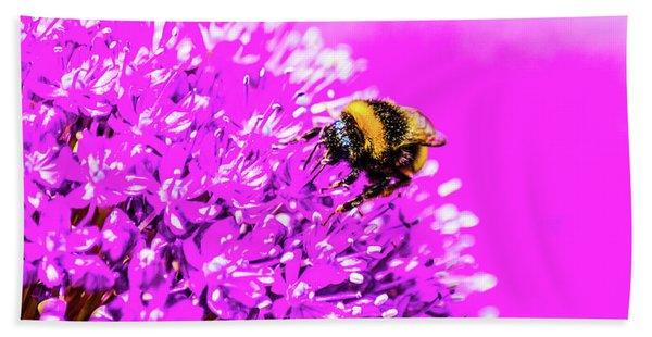 Allium With Bee 2 Bath Towel