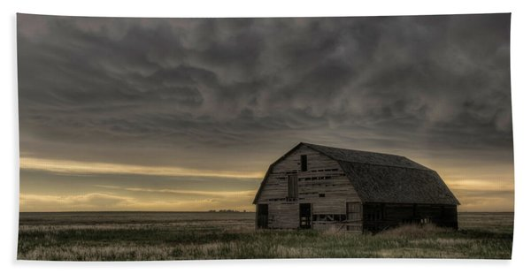 Clouds And Barn Bath Towel