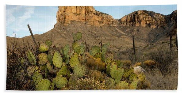 El Capitan With Cactus Hand Towel