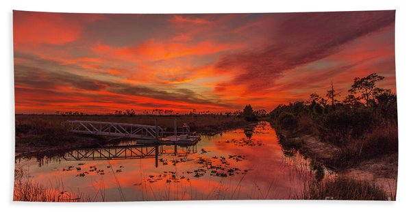 Bath Towel featuring the photograph Explosive Sunset At Pine Glades by Tom Claud