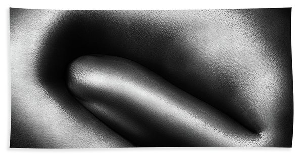 Female Nude Silver Oil Close-up 3 Bath Towel