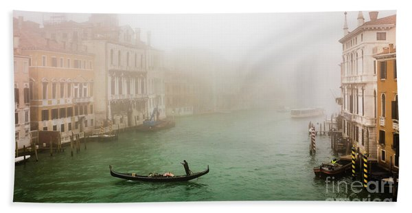 Foggy Morning On The Grand Canale, Venezia, Italy Hand Towel