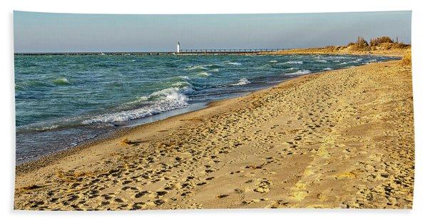 Footprints In The Sand Bath Towel