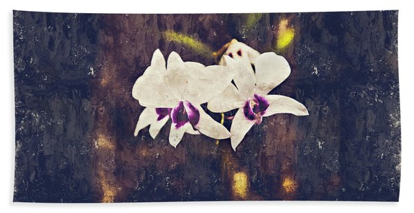Hawaiian Tree Orchid Bath Towel