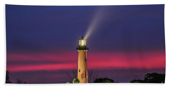 Bath Towel featuring the photograph Jupiter Light Beam by Tom Claud