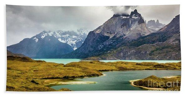 Laguna Larga, Lago Nordernskjoeld, Cuernos Del Paine, Torres Del Paine, Chile Bath Towel
