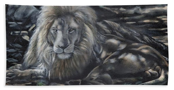 Lion In The Shade Bath Towel
