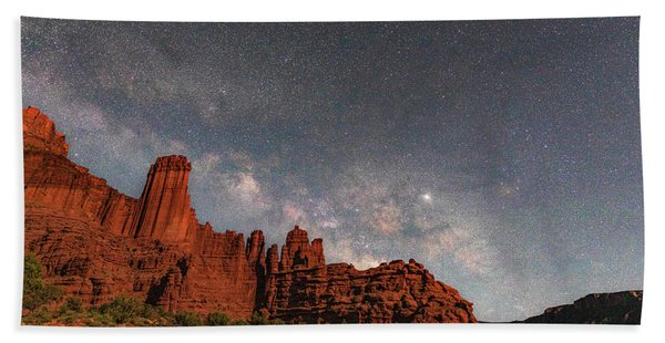 Milky Way Over Fisher Towers Bath Towel