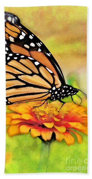 Monarch Butterfly On Flower Bath Towel