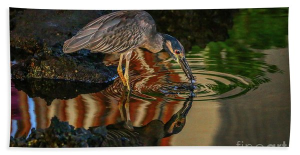Bath Towel featuring the photograph Night Heron Catch by Tom Claud