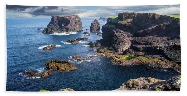 Northmavine Coast, Shetland Isles Bath Towel
