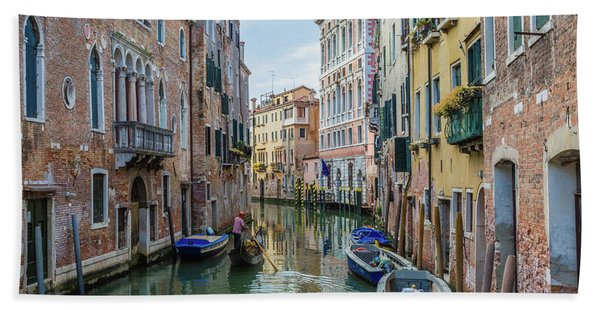 Gondolier On Canal Venice Italy Bath Towel
