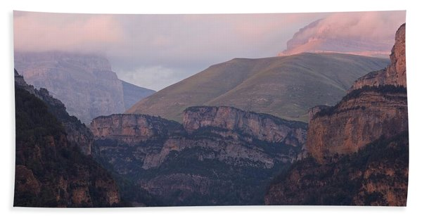 Pink Skies In The Anisclo Canyon Bath Towel