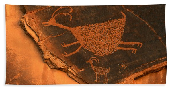 Rock Art At Eye Of The Sun Arch Bath Towel